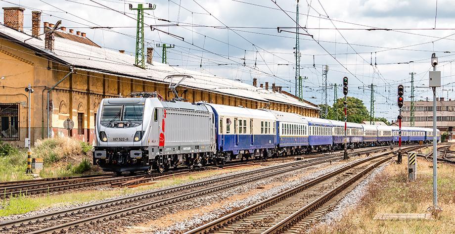 New locomotive BR187-522 delivered